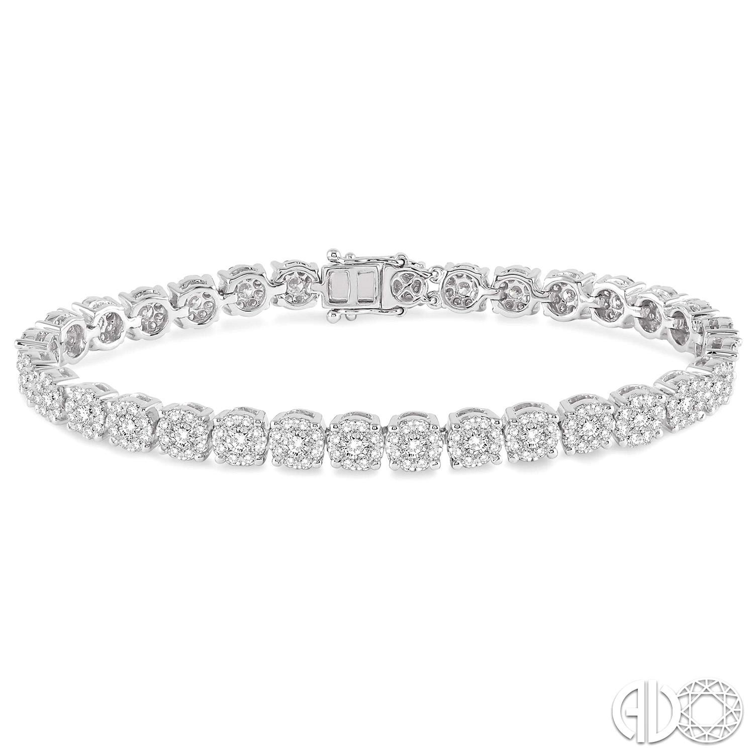 5 1/3 Ctw Round Cut Diamond Lovebright Bracelet in 14K White Gold