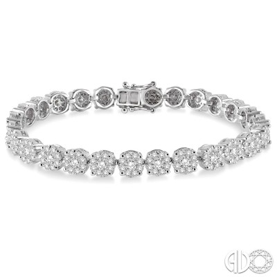 9 1/2 Ctw Round Cut Diamond Lovebright Bracelet in 14K White Gold