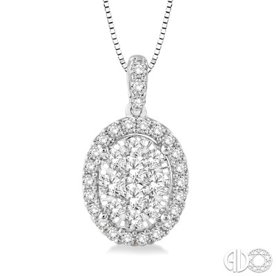1/2 Ctw Oval Shape Diamond Lovebright Pendant in 14K White Gold with Chain